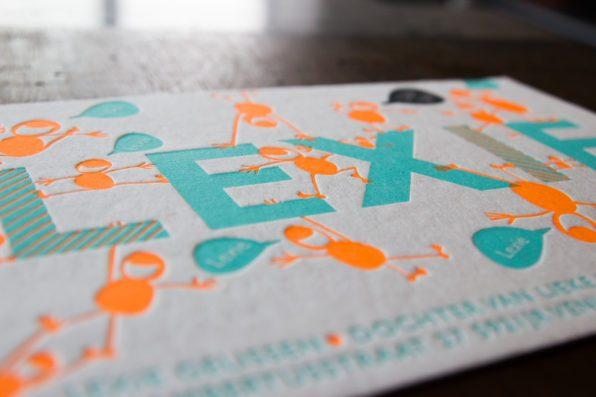 letterpress geboortekaartje fluor oranje en turquoise