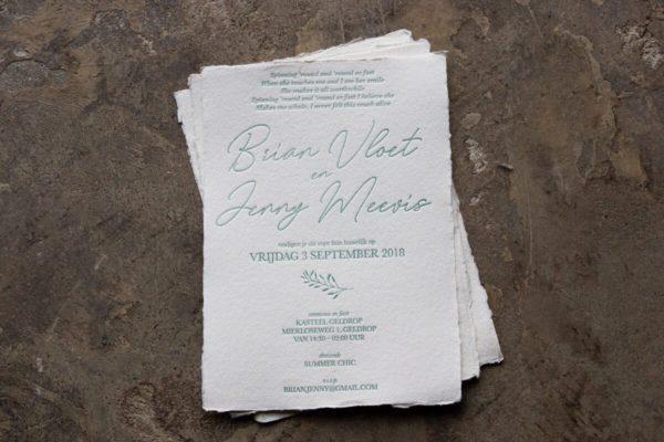 Letterpress trouwkaart op handgeschept papier