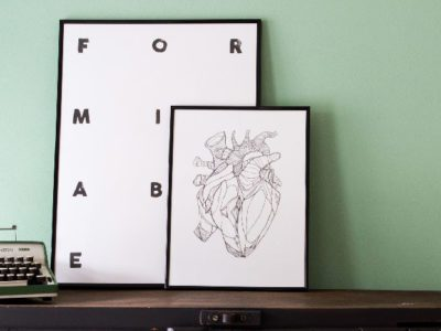Letterpress zwart wit posters van Karakter Prints