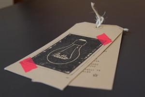 gestempeld geboortekaartje met labels