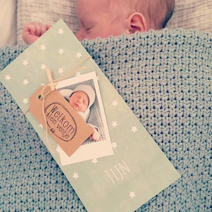 stempel voor doopsuiker en geboortekaartje