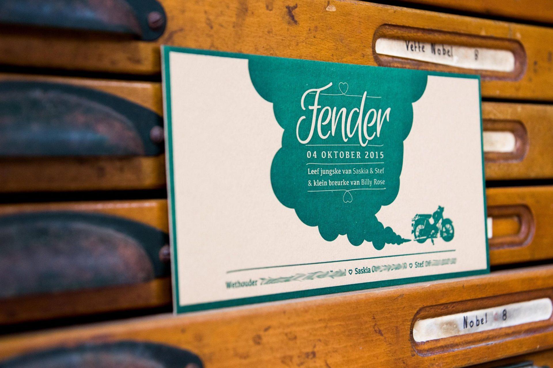 Letterpress geboortekaartje bruin groen