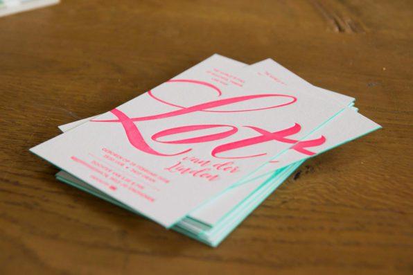 Letterpress geboortekaartje met kleur op snede