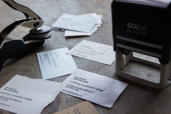 DIY visitekaartjes met preegstempel en zelfinktende stempel Karakter Prints