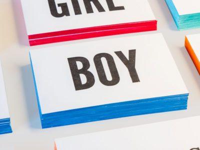 zwart-wit Letterpress wenskaart met gekleurde randen geboorte Boy