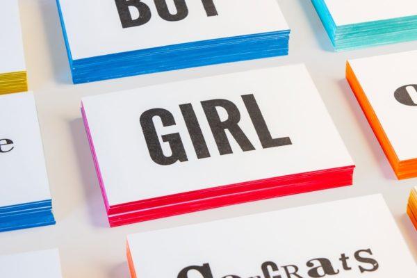 zwart-wit Letterpress wenskaart met gekleurde randen geboorte meisje Girl