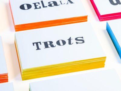zwart-wit Letterpress wenskaart met gekleurde randen Trots