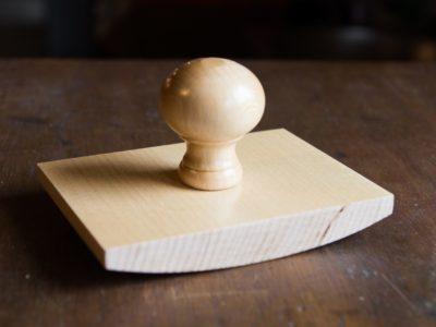 Grote stempel laten maken wiegstempel van hout