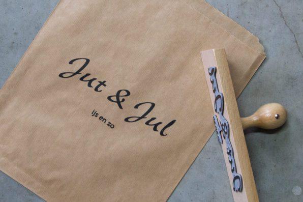 Grote logo stempel voor papieren tassen